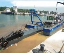 抽沙船的结构、工作原理及应用领域